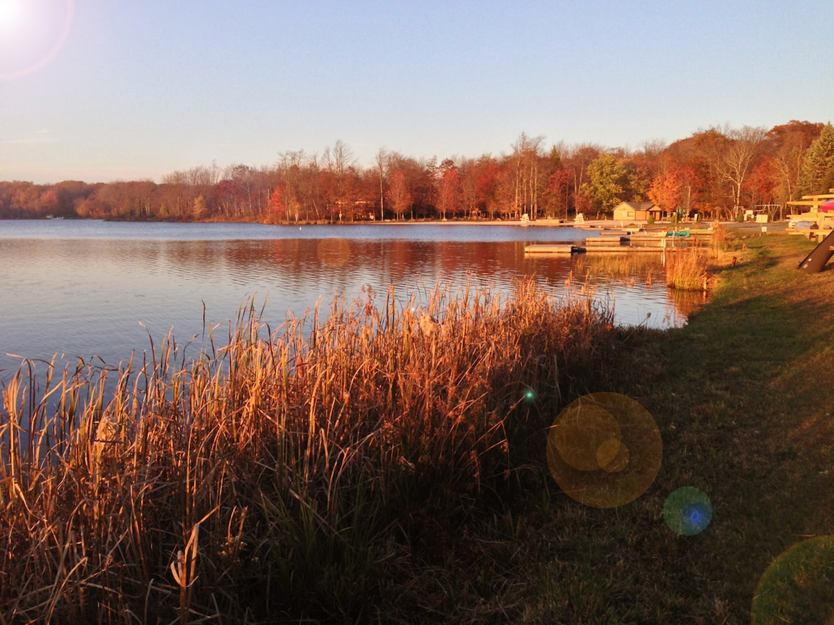 Sunset by the big lake. A 10 minute walk. Five minute bike ride. One minute drive!