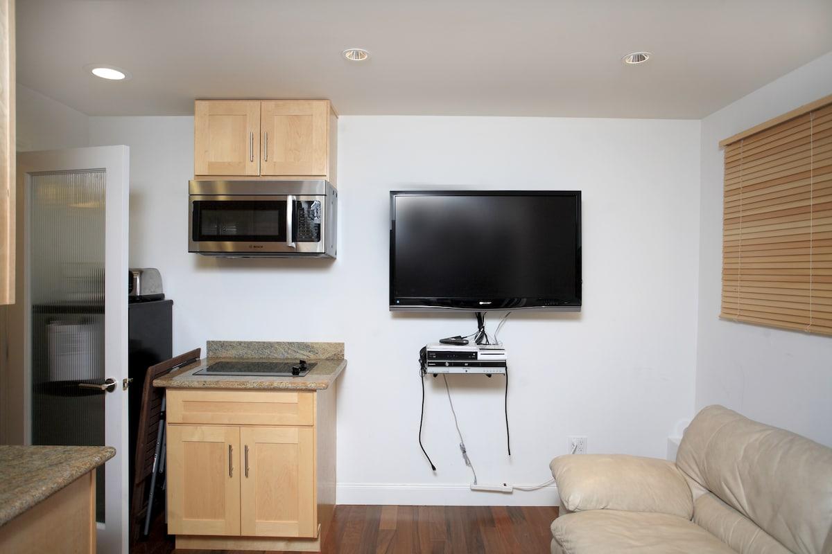 Luxury Studio, parking, convenient