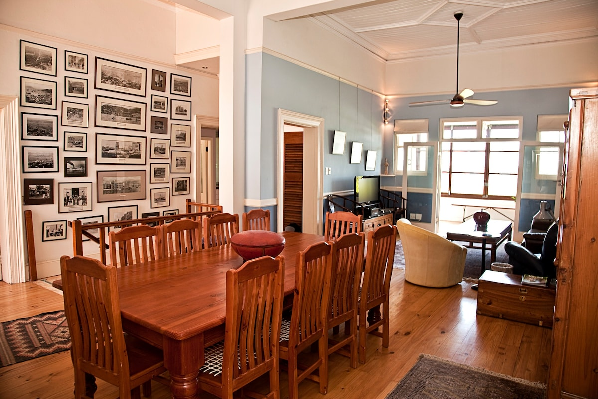 The living/dining area with 4m ceilings is both spacious and comfortable