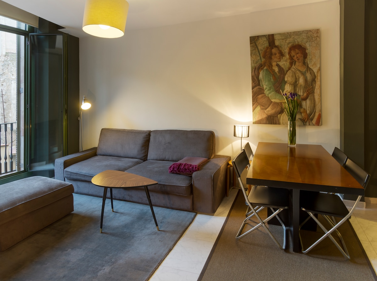 The lounge is a relaxing and comfortable place after a long day in Barcelona