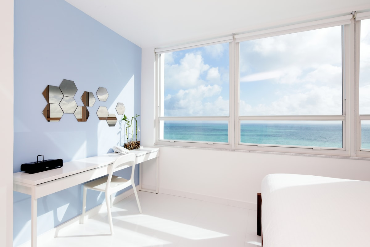 Oceanfront 16th Floor Brand New Apt