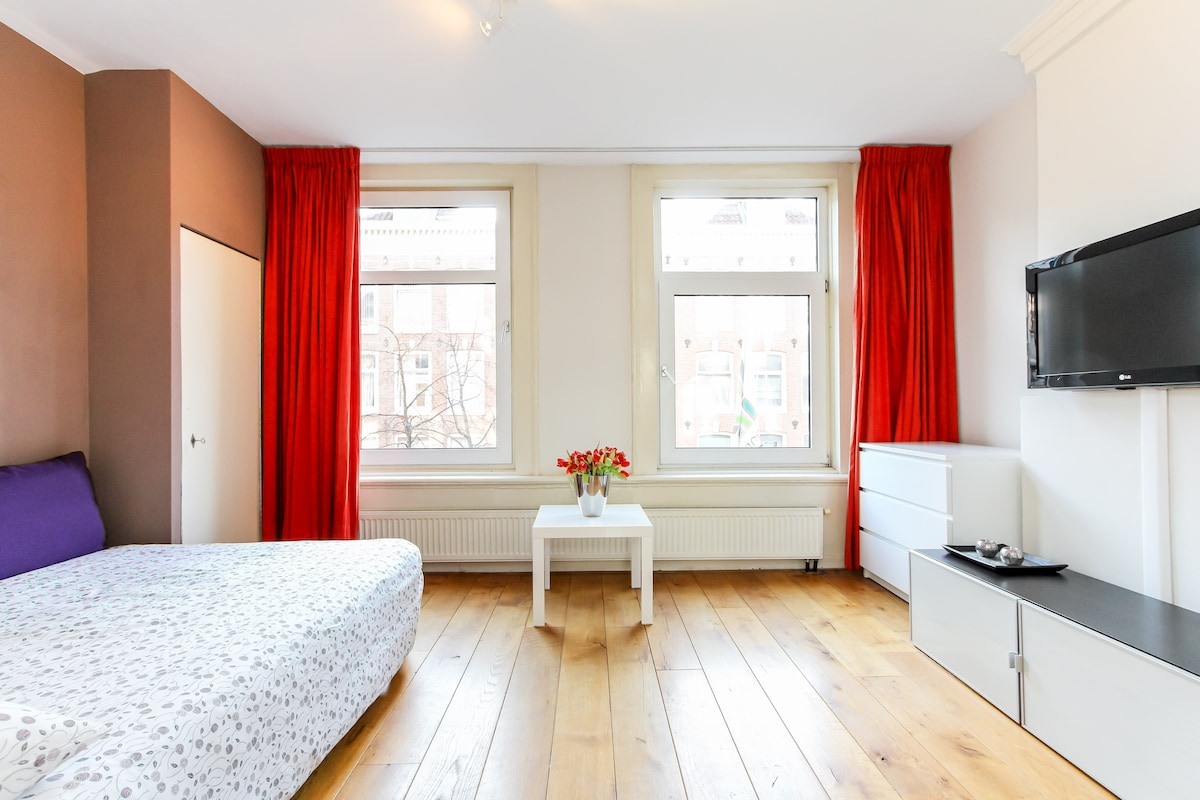 1  bedroom apt in De Pijp +wifi