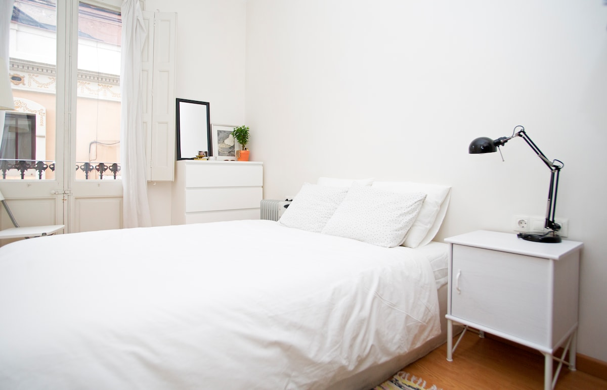 Sunny suite en Gràcia with Studio