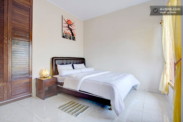 Bedroom 4 Queen Bed with aircon