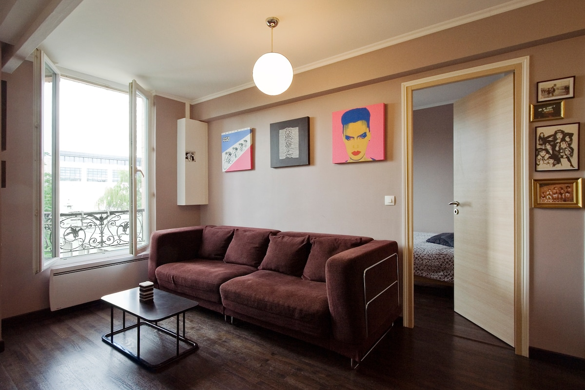 Bright and Cosy 1 Bedroom apt