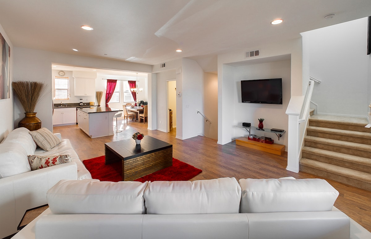 Gorgeous New Built Townhome