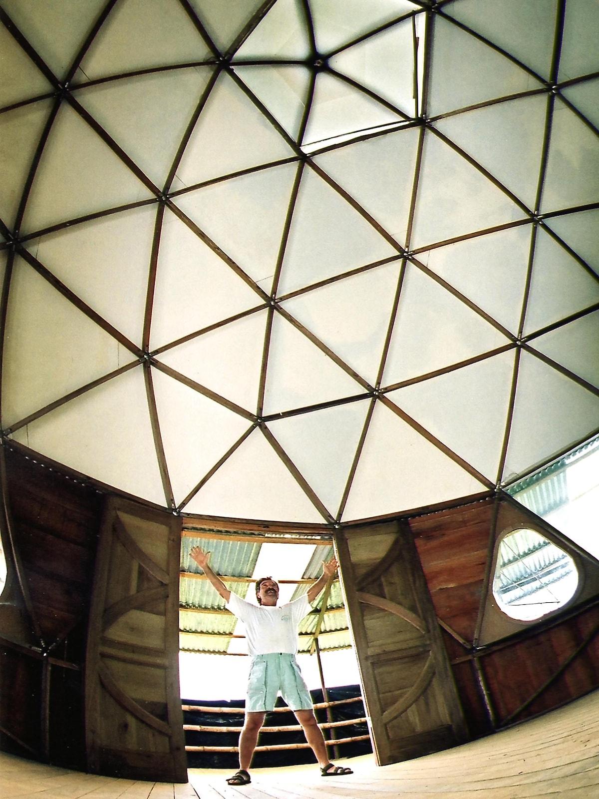Geodesic dome for holistic exercises, we practice Do-In - Domo geodesico para ejercicios holisticos, nosotros practicamos Do-In