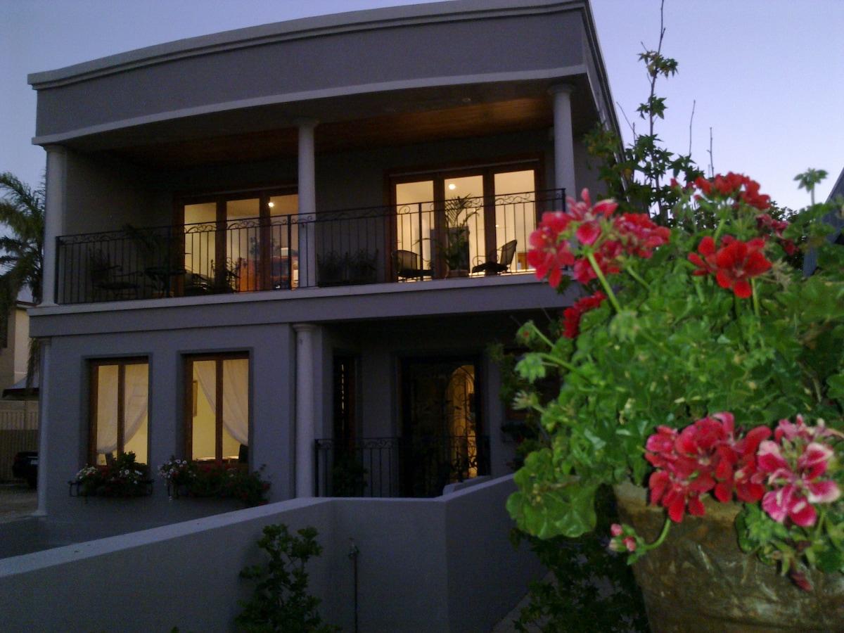 Beautiful Balcony Room