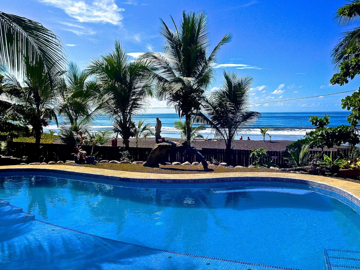 Costa Rica Beachfront Paradise!