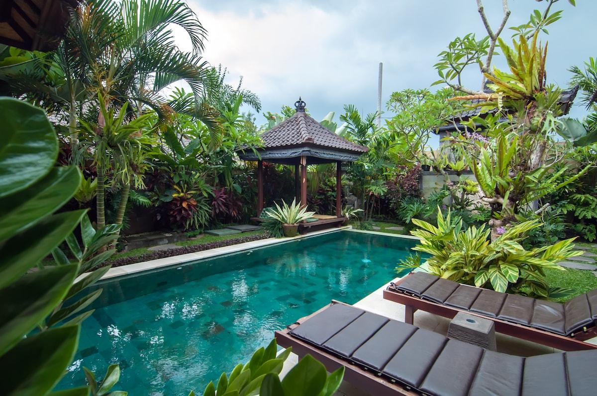 2br, 2 bath & Pool, New Villa w/AC
