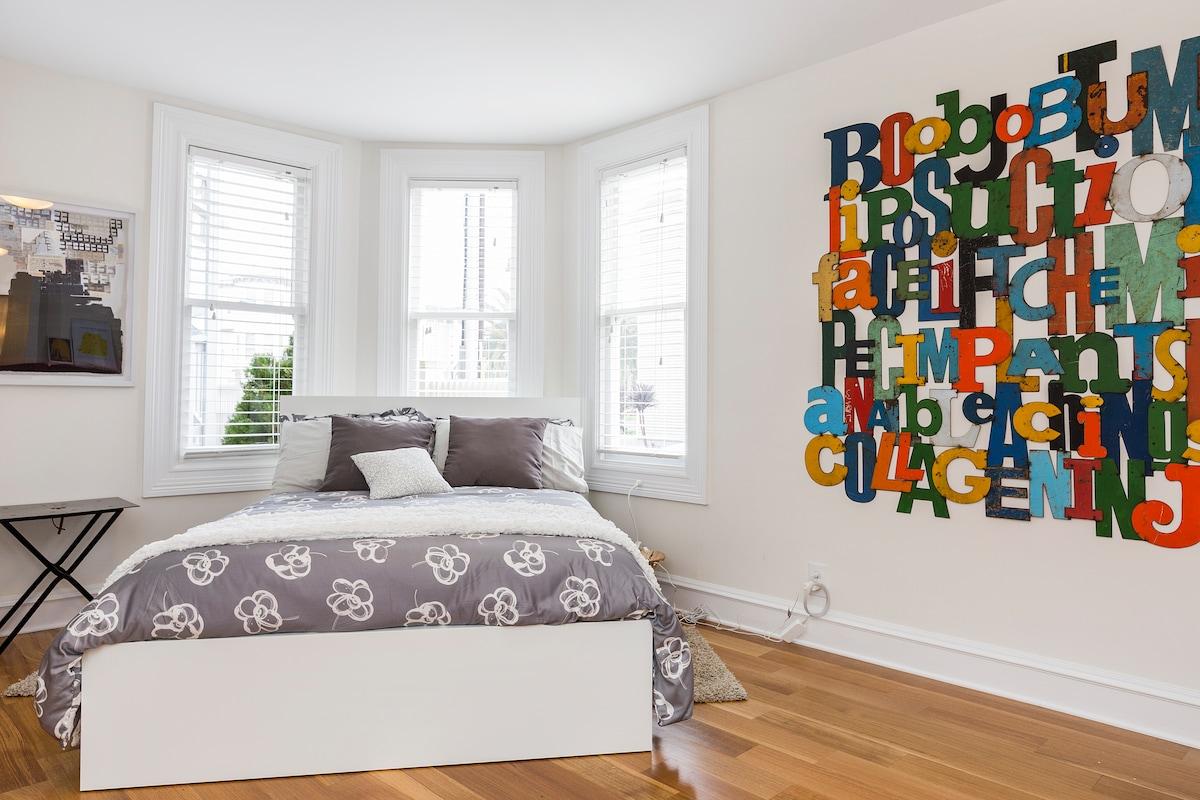 the bed corner, foam memory mattress, high-thread count bedding, down comforter.