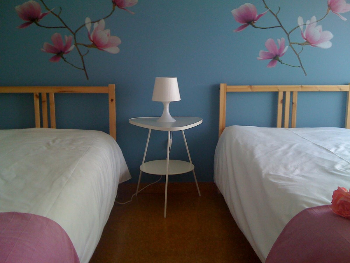 Chic and Cheap Bedroooms