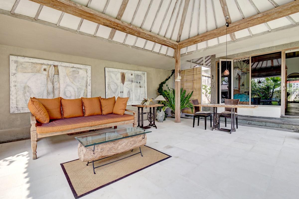 Enchanting eclectic peaceful villa