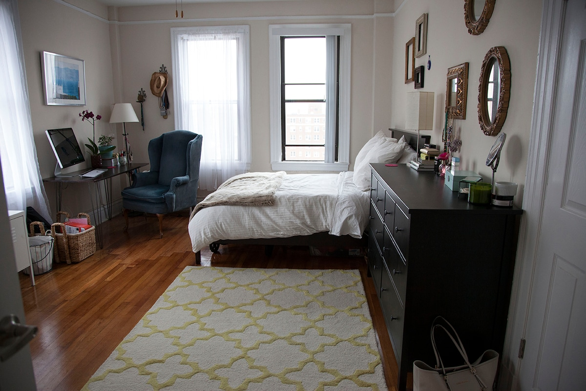 1 bedroom in a Dupont Circle 2 br
