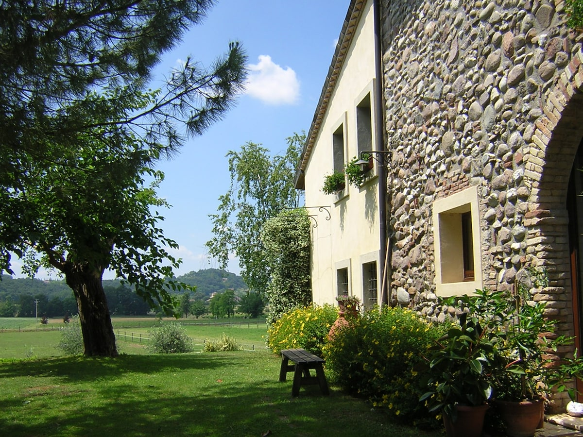 Cottage near Mantova and Verona