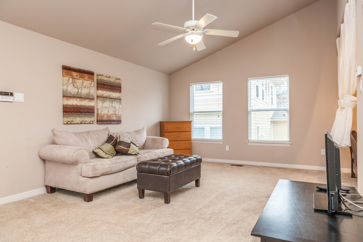 Enjoy the open floor plan and tall ceilings.