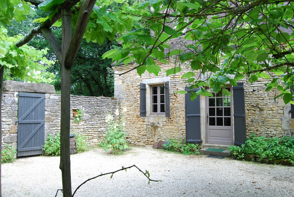 Maison à louer Saint Amand de Coly