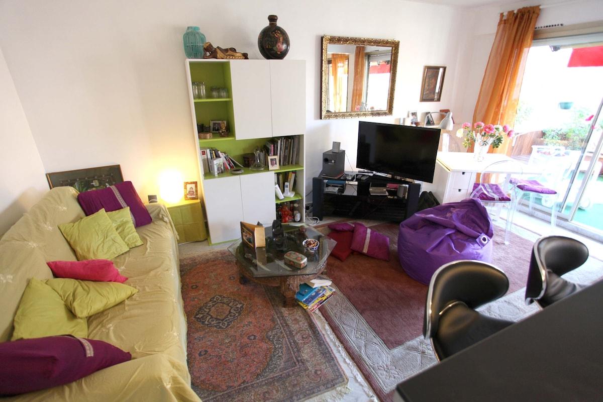 salon avec sofa (canape lit deux places)