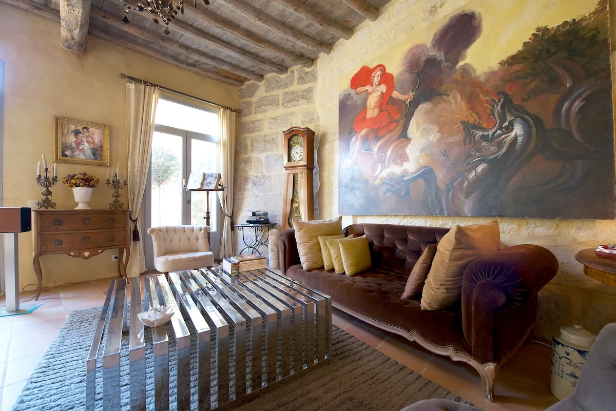 Very center Uzes, Charming House