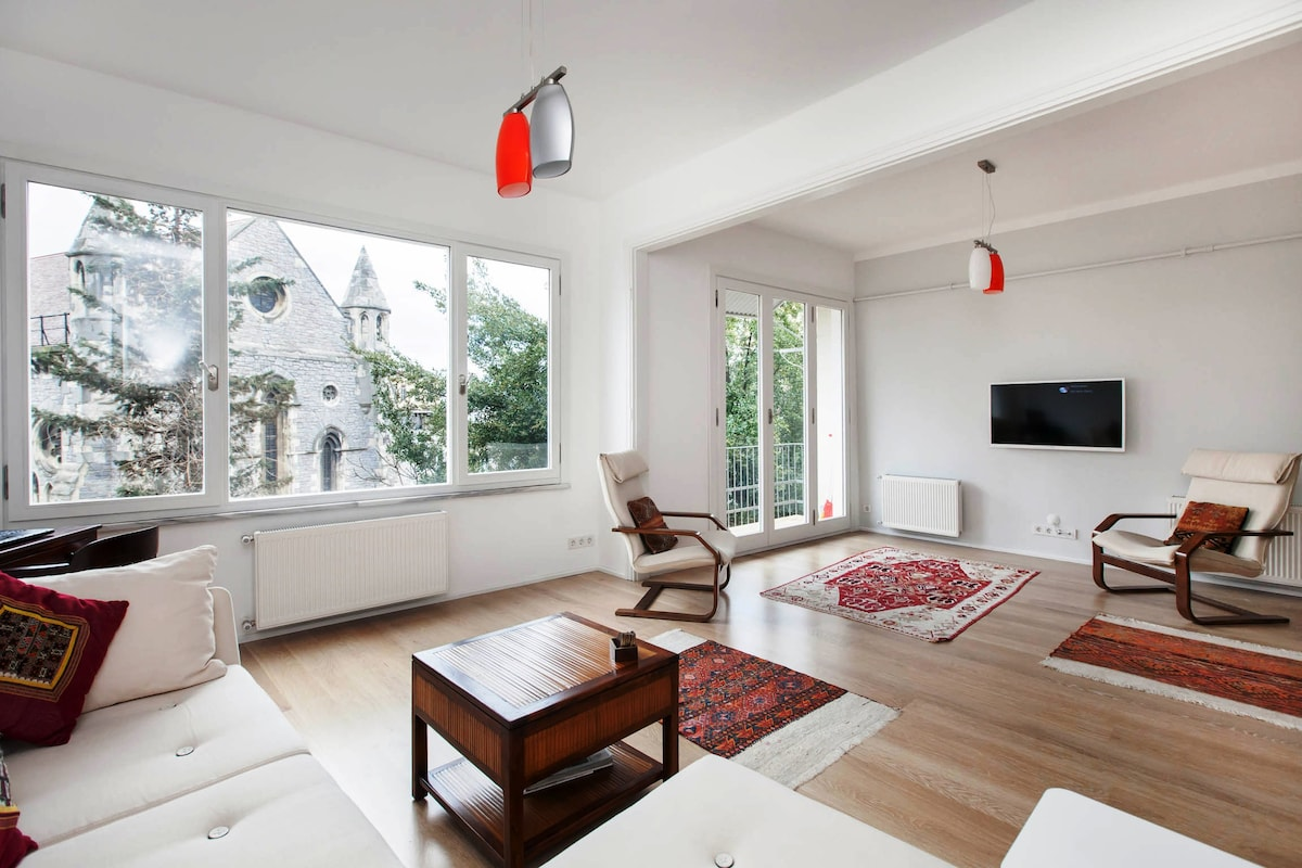 COSY FLAT WITH GARDEN VIEW @ GALATA