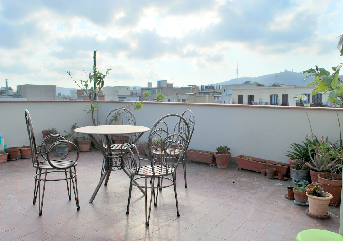 Sunny Roof Terrace with Fantastic views