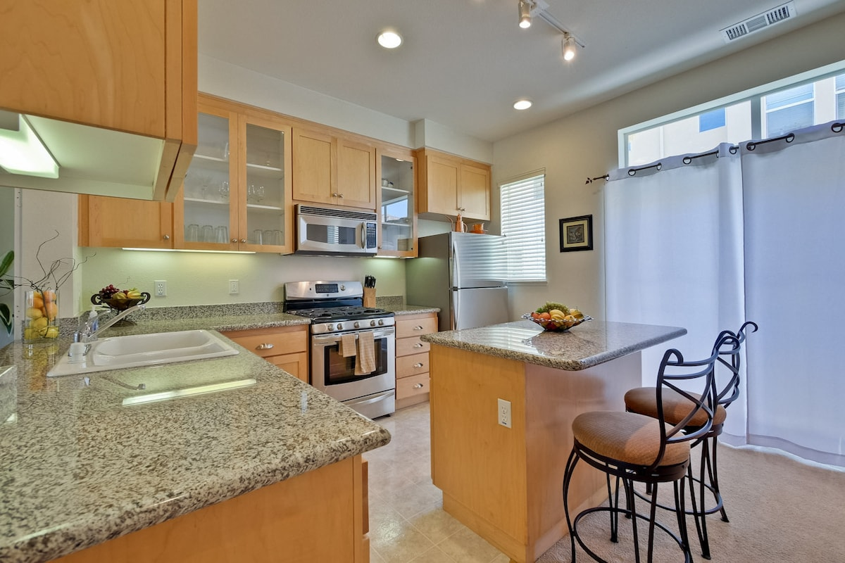 Eat in kitchen with granite counter tops