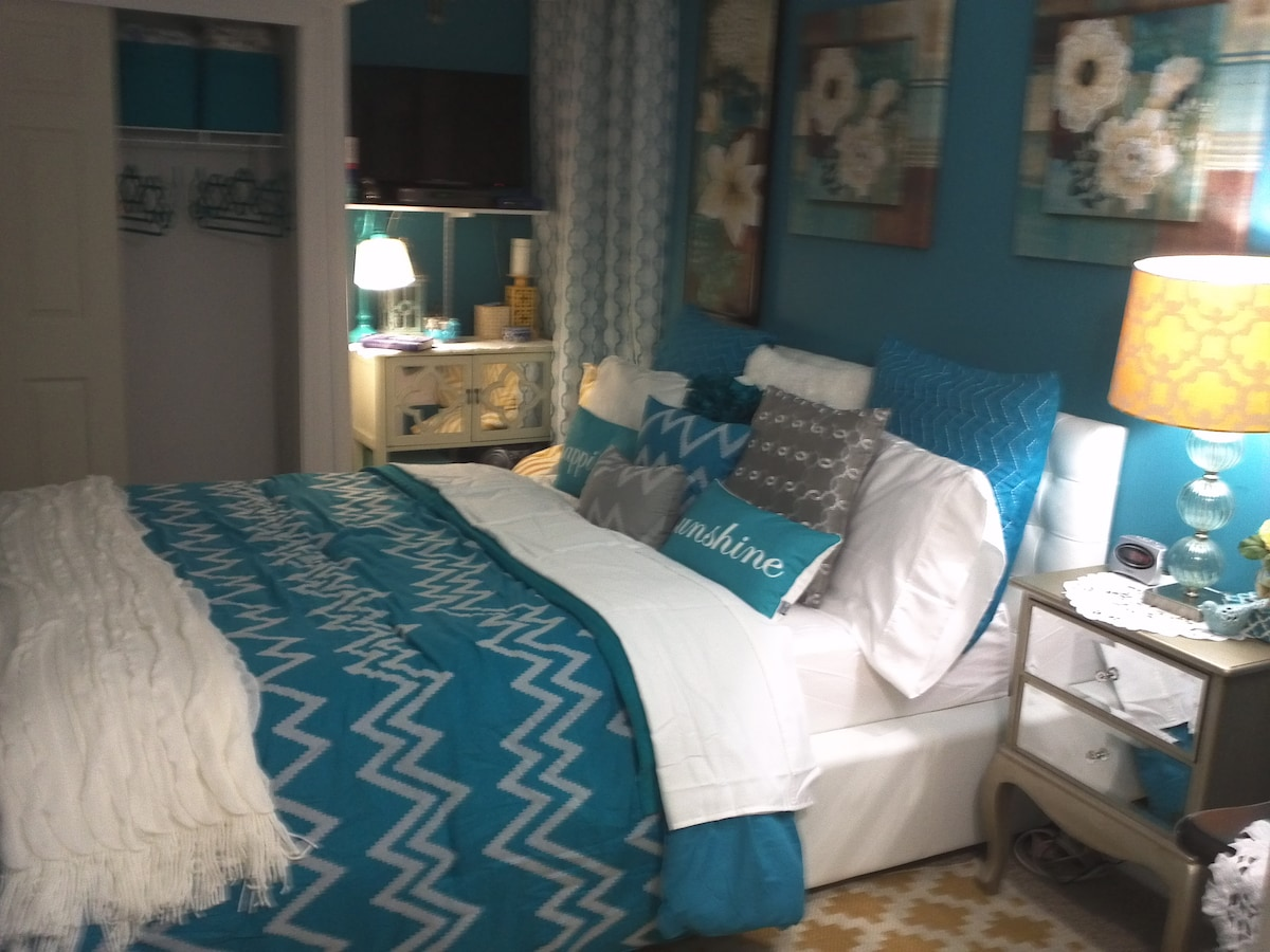 Enjoy a relaxing night sleep in style on the beautiful remodeled bedroom, comfortable queen size bed with memory foam mattress for two