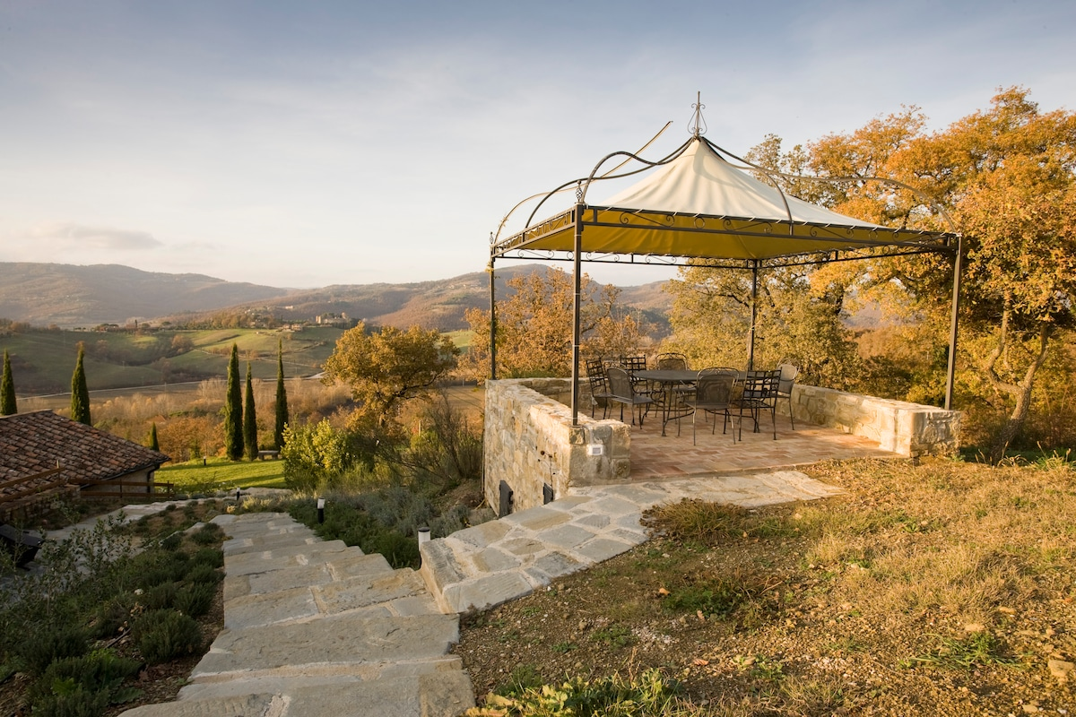 Beautiful Umbrian Home sleeps 10/12