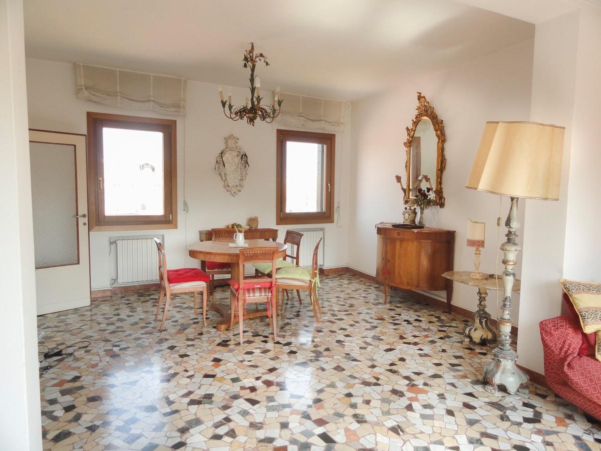 Charming Venetian apartment