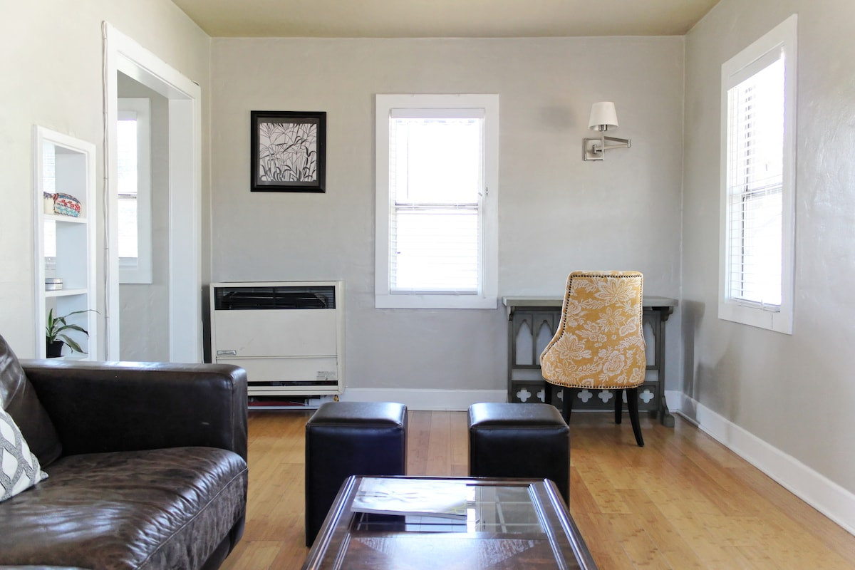 Grab a movie, check your email or cuddle up with a book in our living room (with robust gas heater).