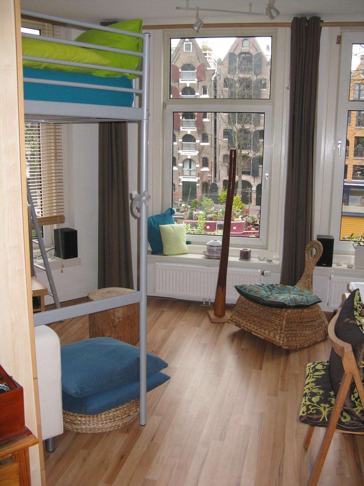Canal View City Centre Apartment