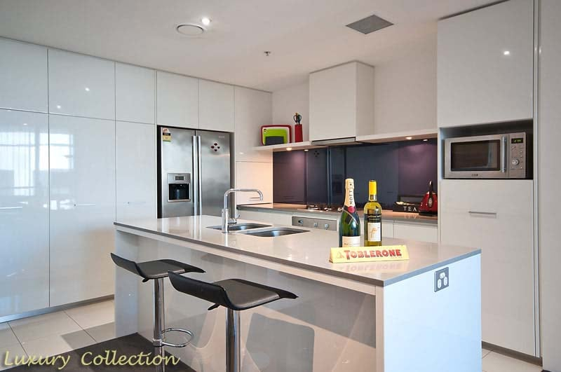 Huge Designer fully equipped kitchen with Double Westinghouse Fridge with IceMaker and IceWater on tap.