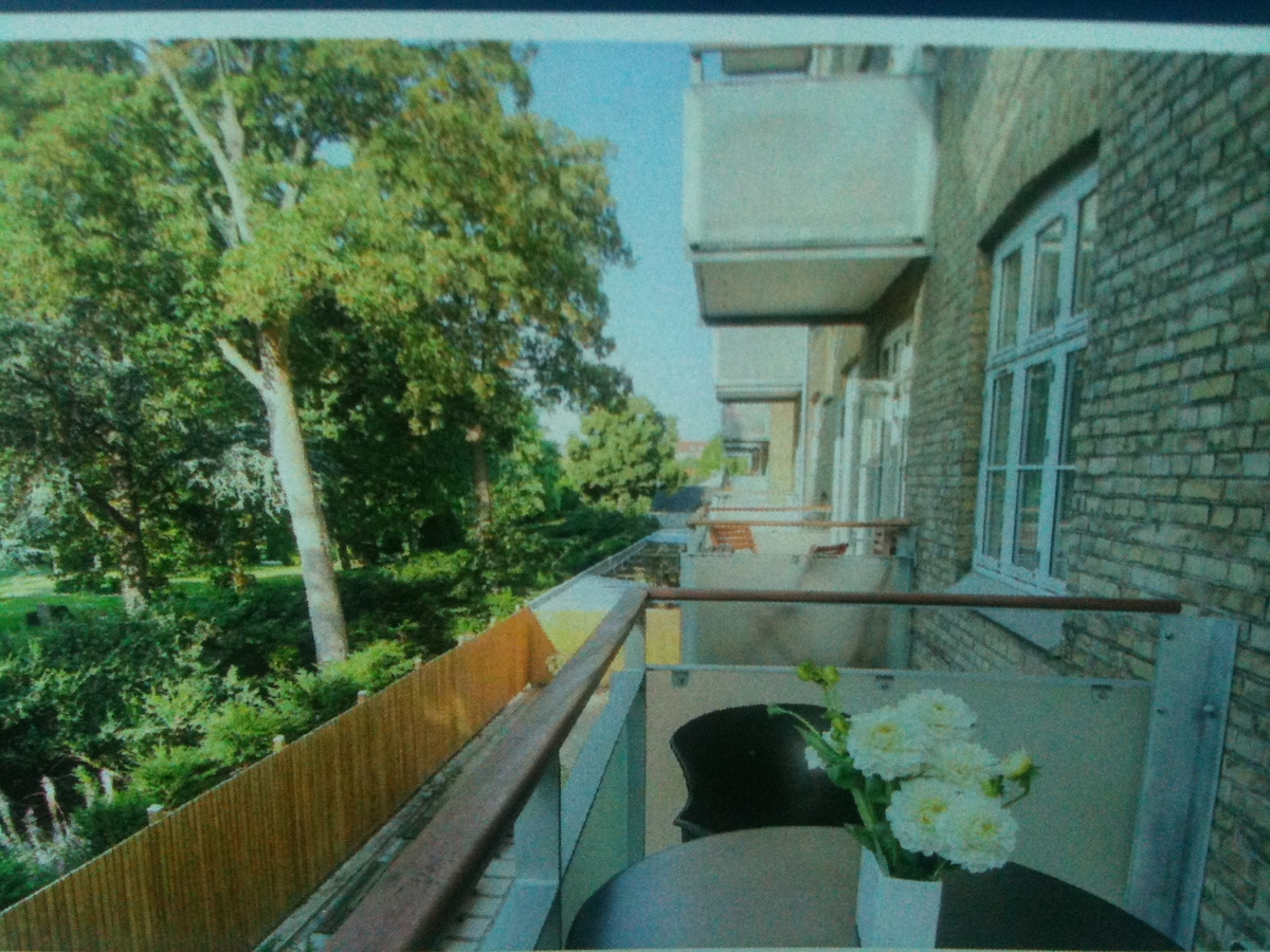 Cosy flat with sunny balcony & view