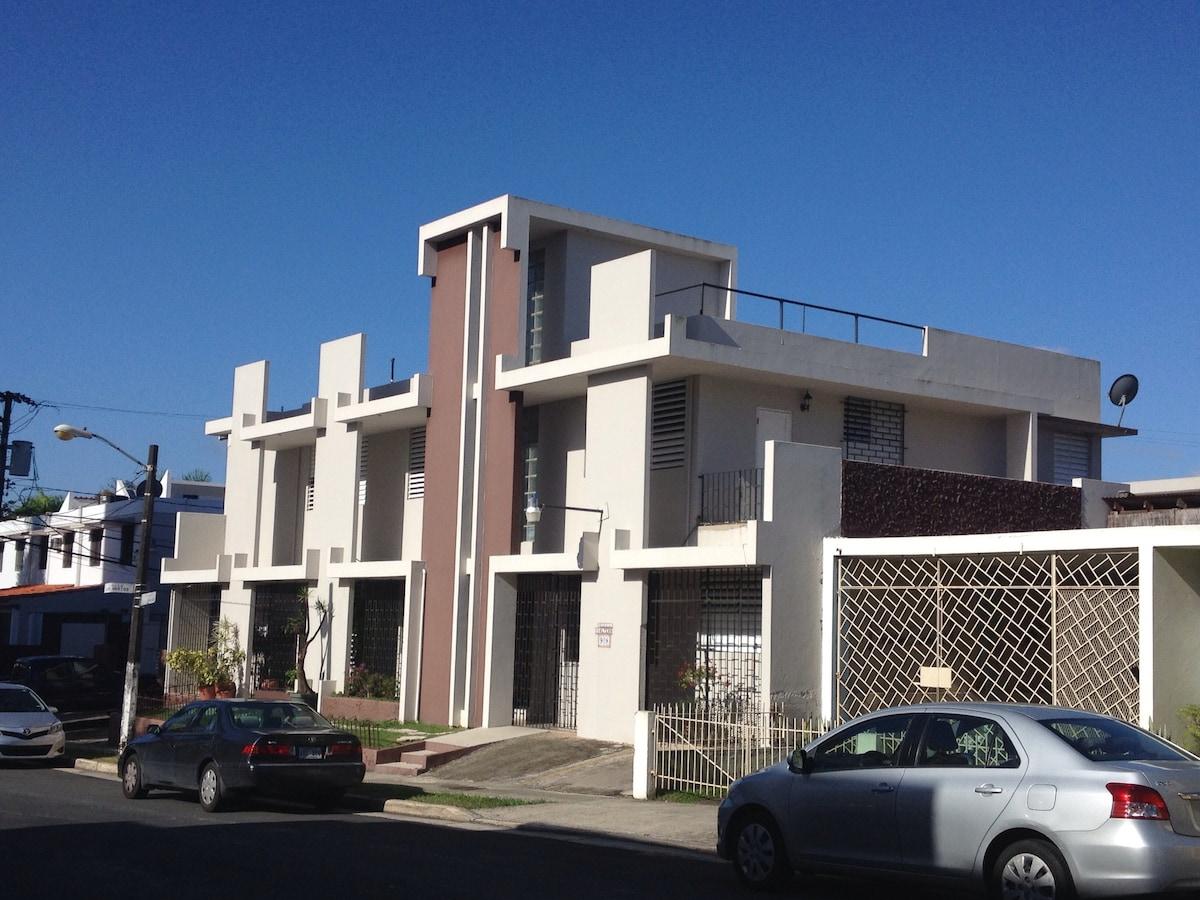 ROOMMATE AT UPR- RÍO PIEDRAS