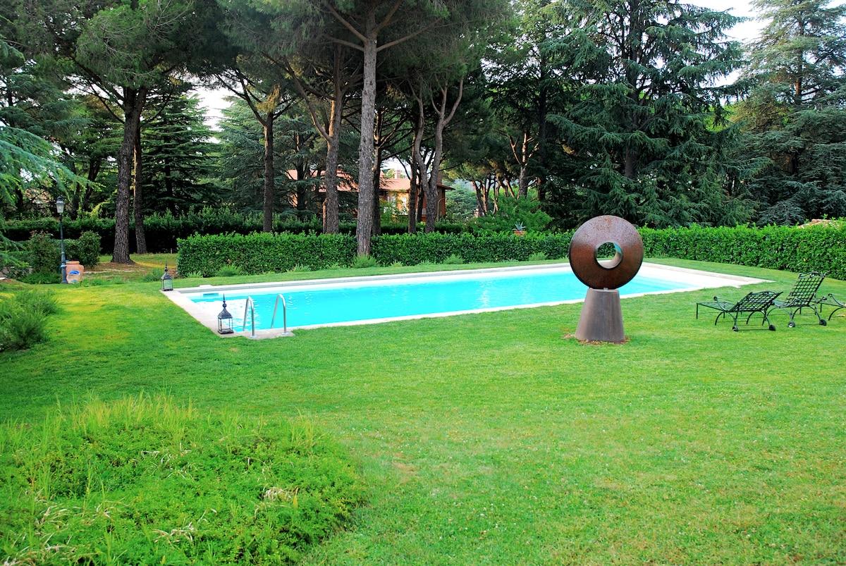 Stunning Villa on roman hills