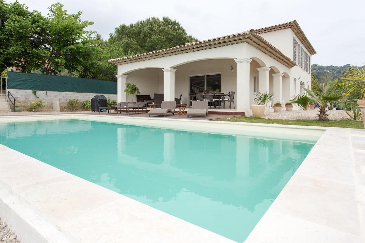 Villa avec piscine proche de Cannes