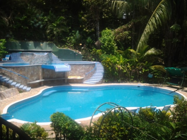 JungleVilla 4BR, 3 Pools, oceanview
