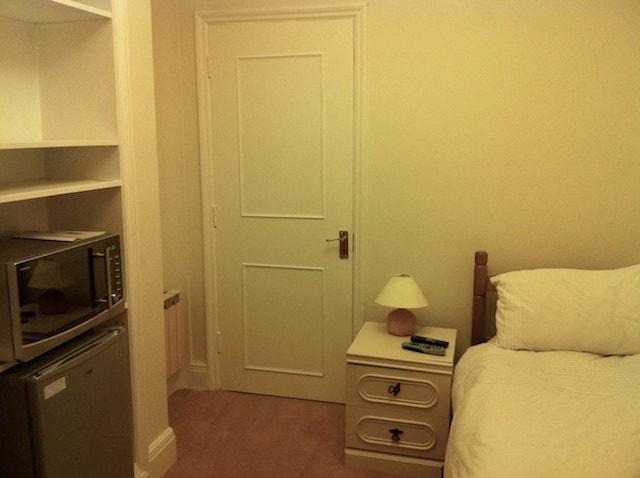 Single room with en-suite