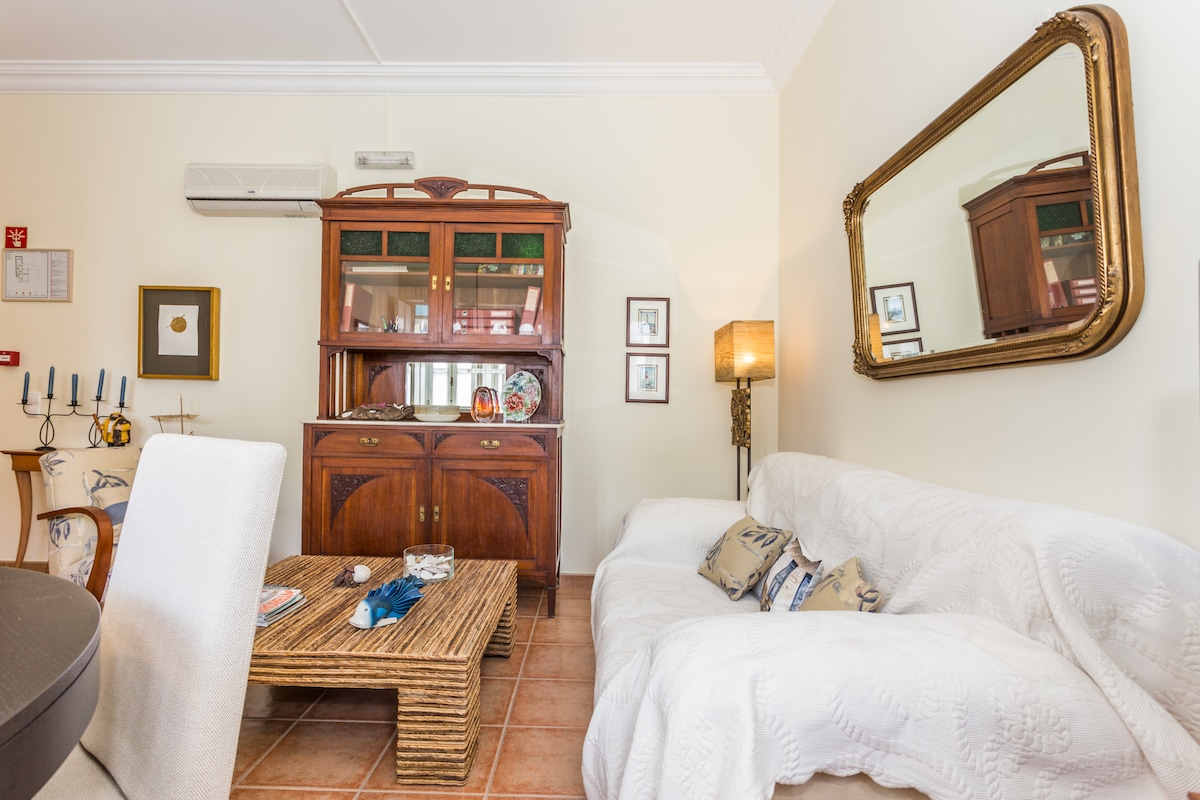 Cozy home in down town Tavira +WiFi