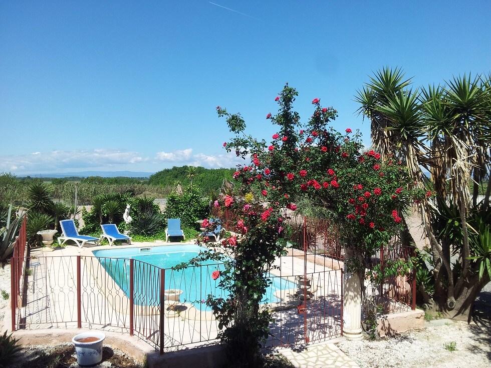Jardin, piscine sécurisée