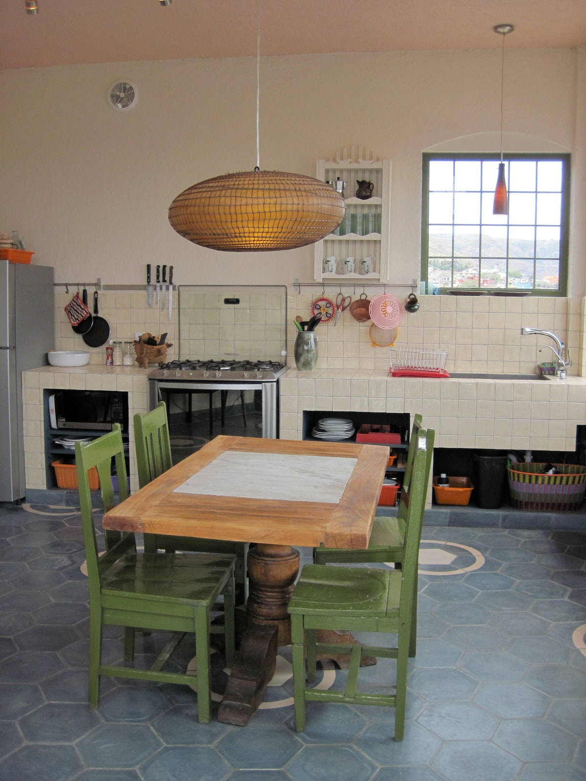 "BEAUTIFUL KITCHEN shared  with the room called ""The Nest"""