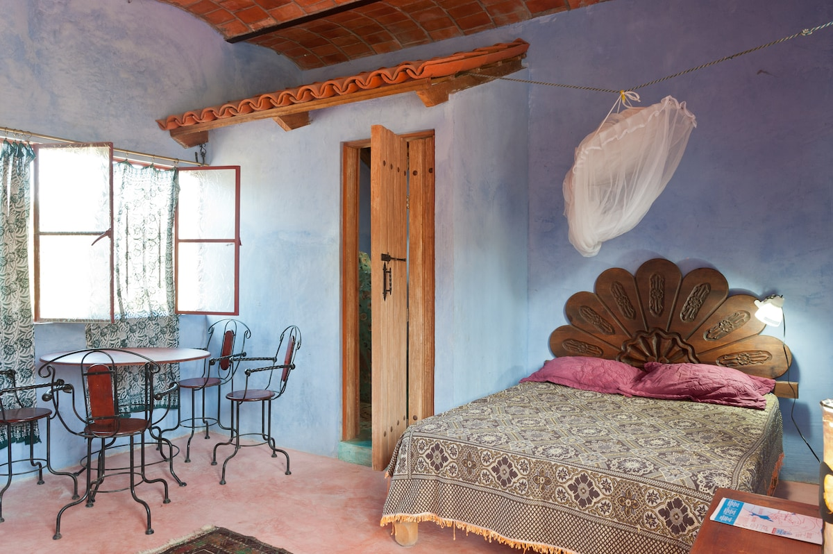 Bed and sitting area, Casita Danza, Two-Floor Art/Nature Suite