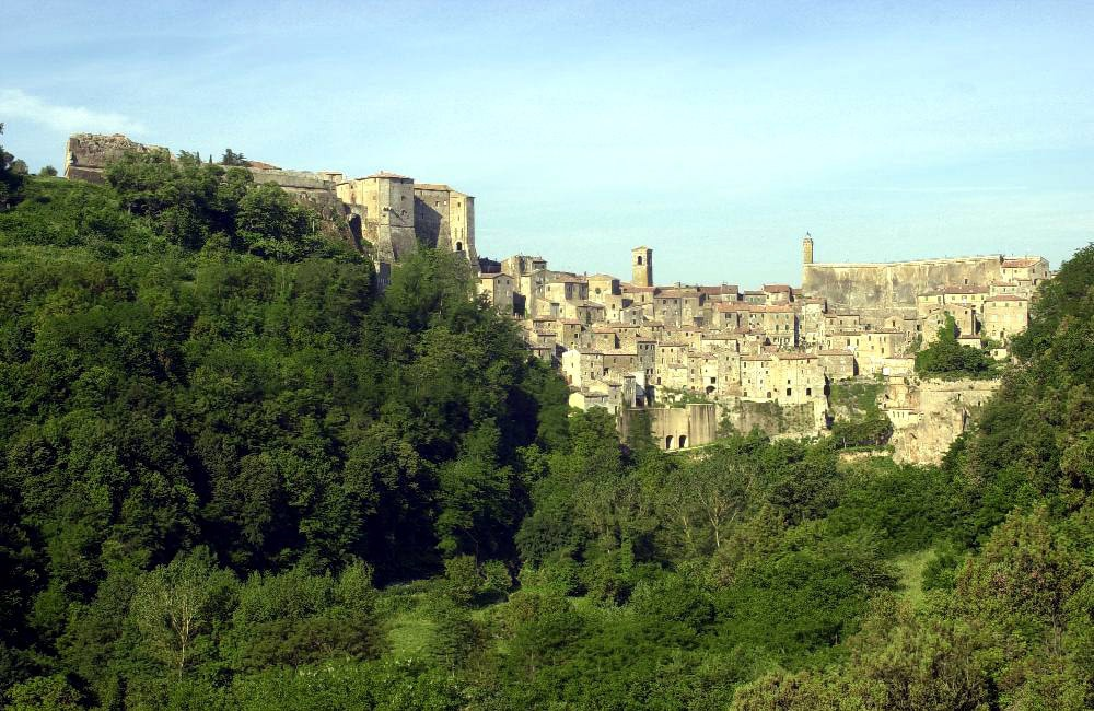 At home in a magic etruscan village