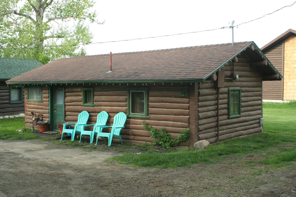 montana moose cabin in red lodge