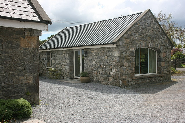 Restored Stable Cottage near Galway