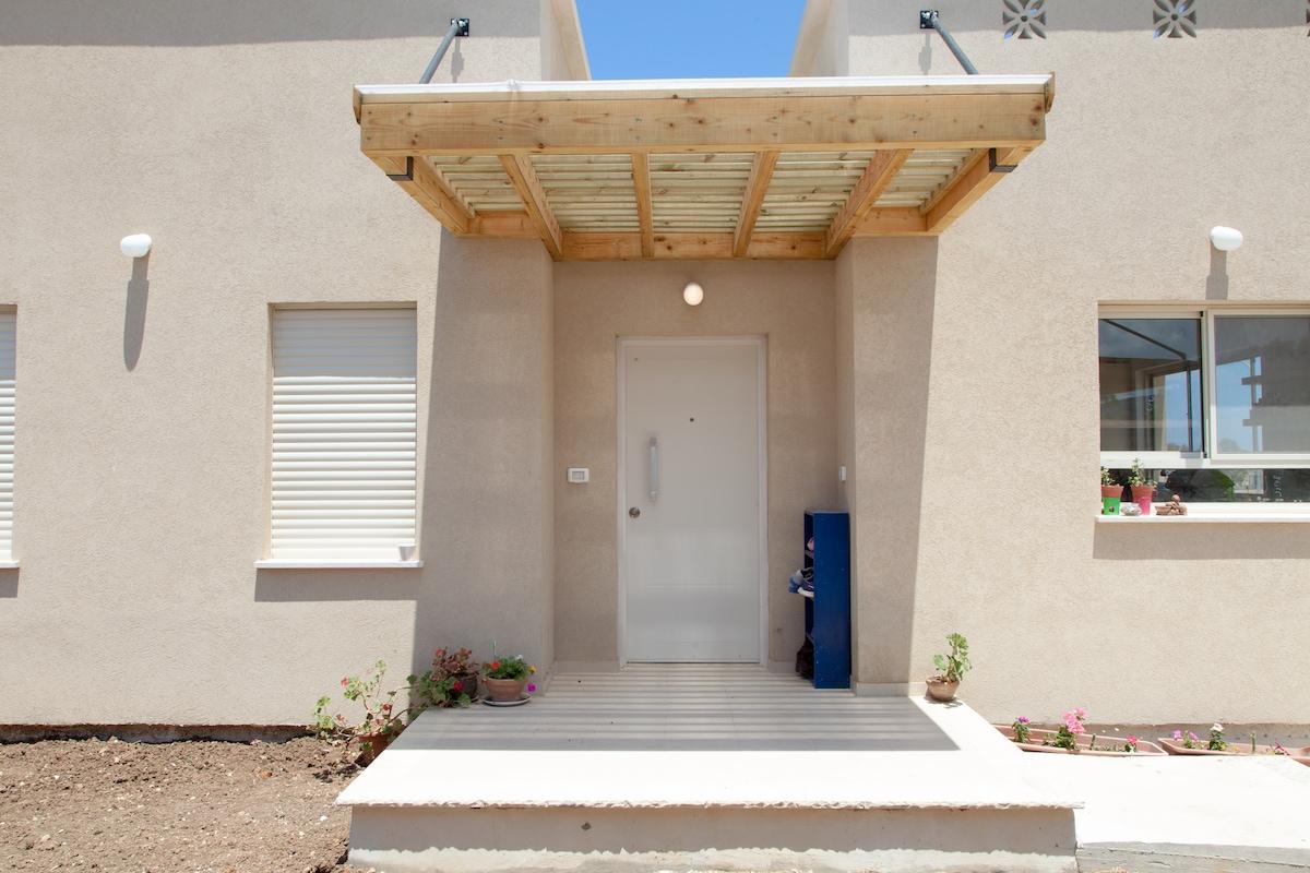 Newly built home, sea-side Kibbutz in HaHotrim Pictures Kibbutz Hahotrim