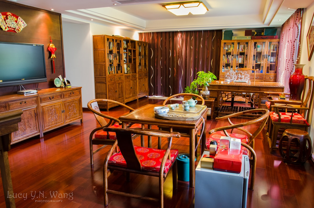 Gorgeous Room by the West Lake I