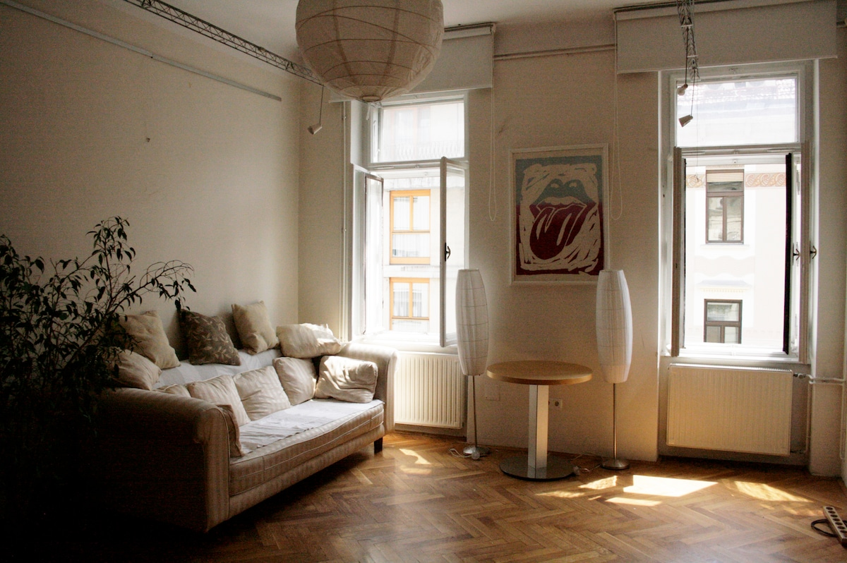 Spacious flat in historic center 2