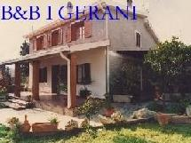 BB I GERANI in villa with garden