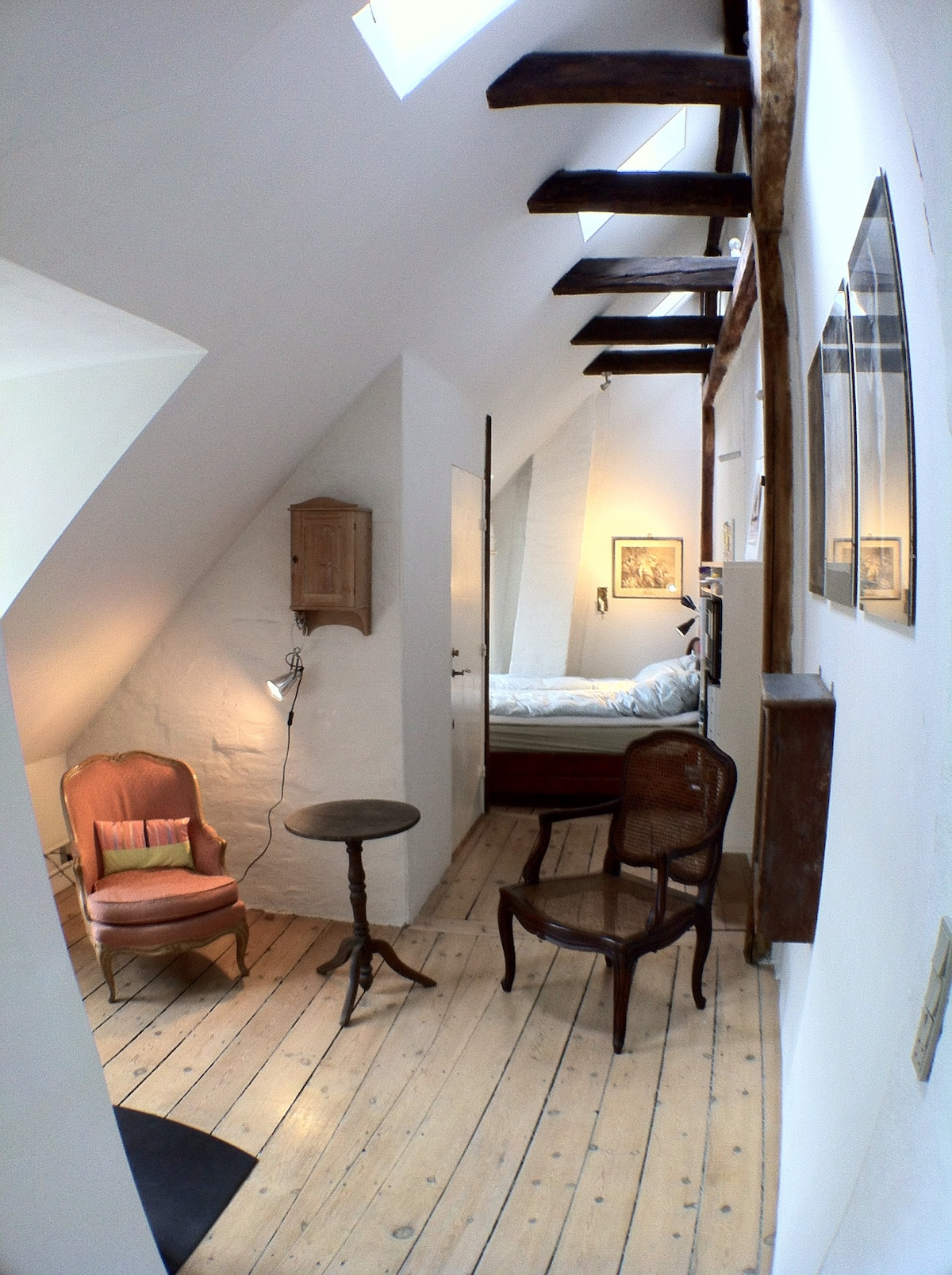 Spectacular loft-room in  old city